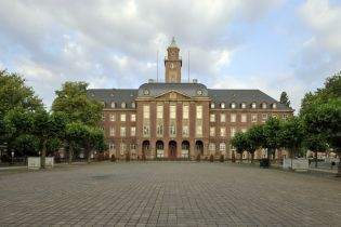 town hall Herne (78 images)
